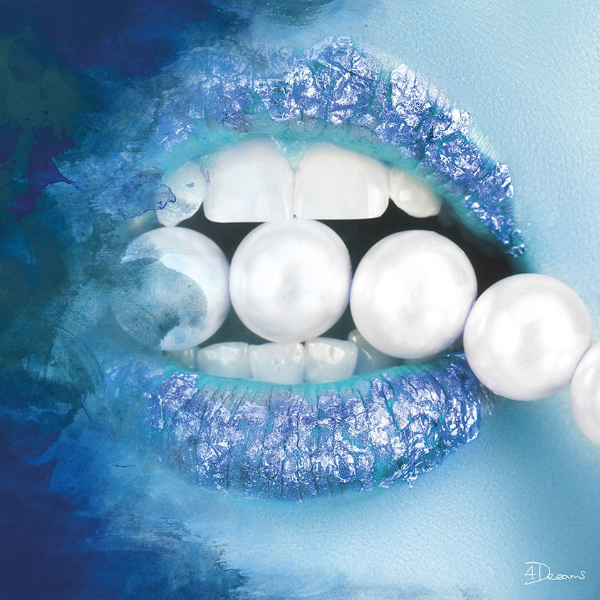 Pearls in Blue Mouth Aluart