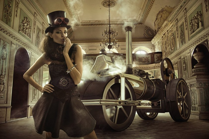 Woman posing for the Old-fashioned Car Aluart