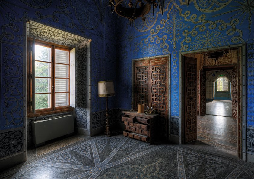 Lacour, Blue Room in Mosaic Aluart