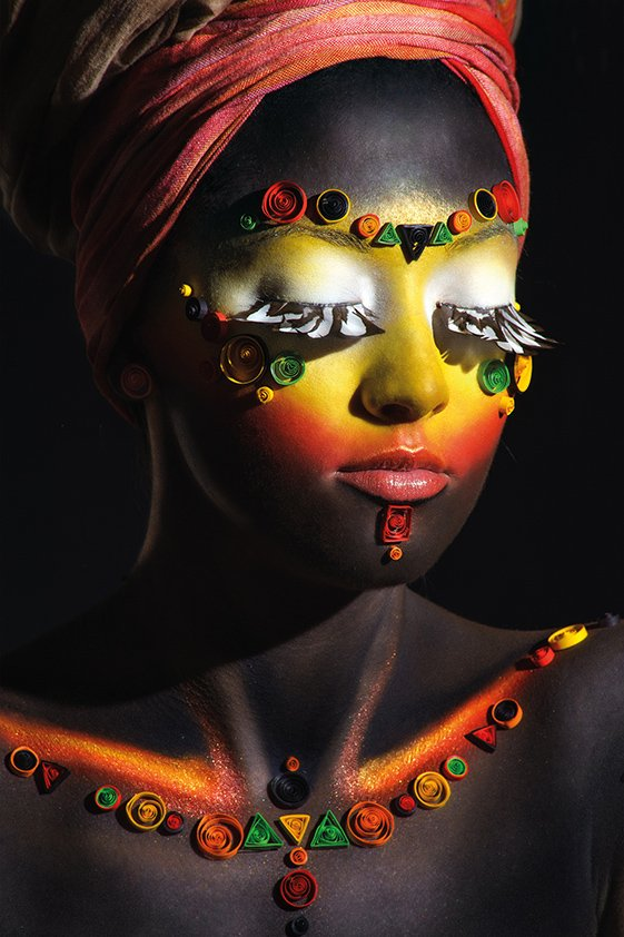 AluArt African beauty with make-up