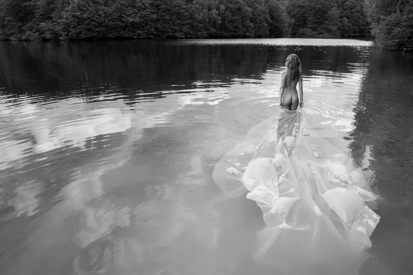 Naked Lady in River Pose Aluart