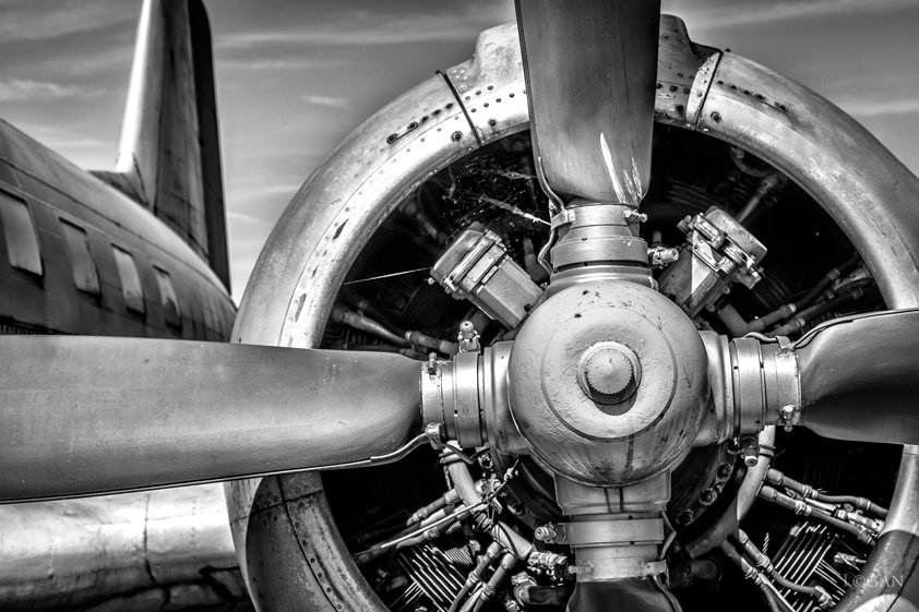 Airplane Engine and Propeller Aluart