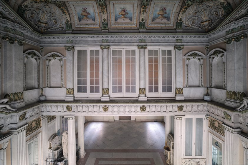 Hallway with Painted Ceiling Aluart
