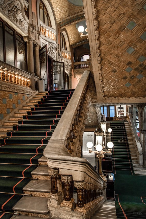 Exceptional Stairs in Palace Aluart