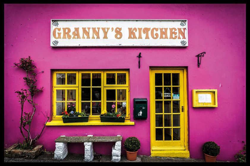 Granny's Kitchen in pink and Yellow Aluart