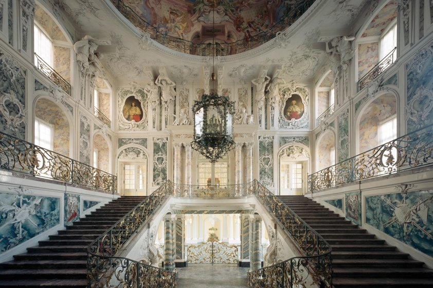 Beautiful Baroque Grand with Staircase Aluart