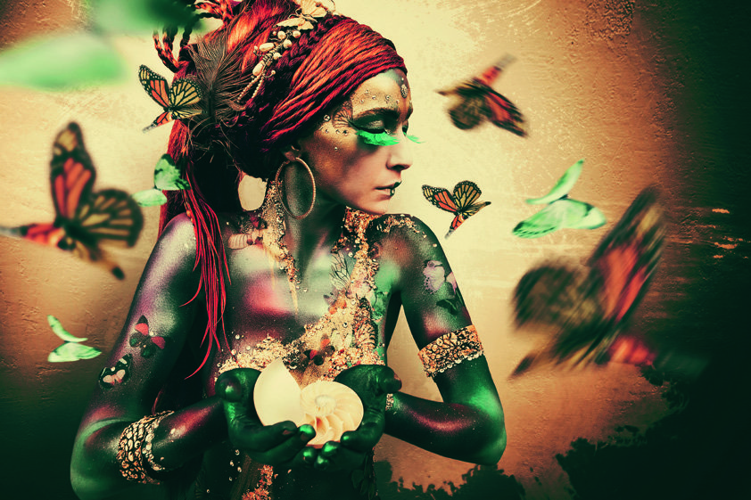 African Woman with Butterfly Aluart
