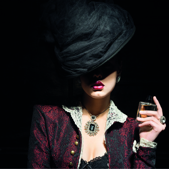 Woman with black Hat Aluart