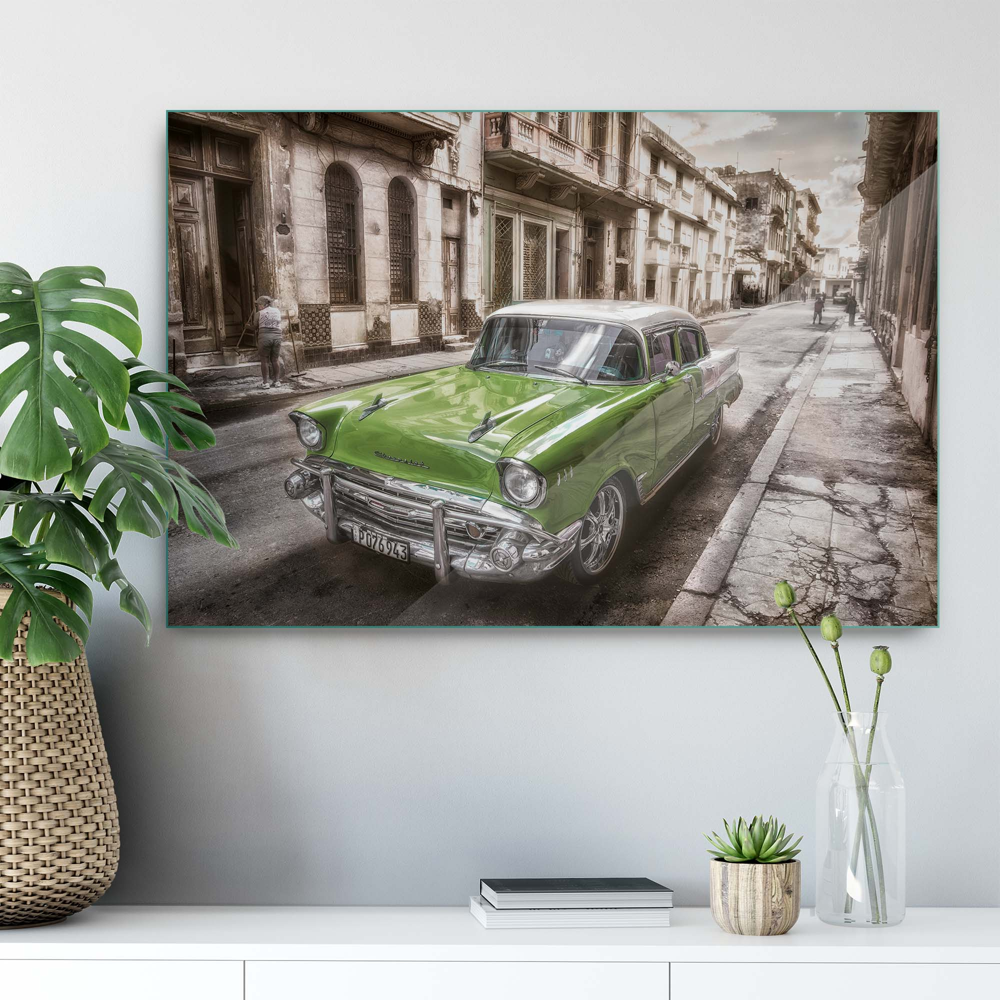 Glass printed Classic Car in Historic City