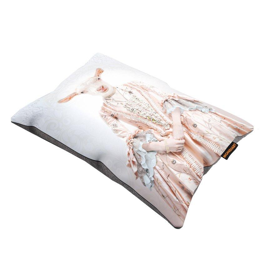 Cushion Set/2, Royal lady goat
